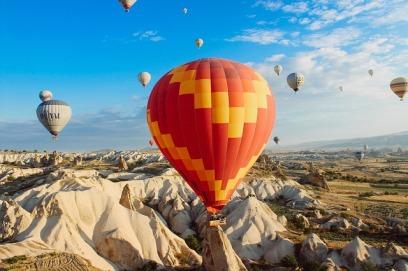 hot-air-balloons-691941_640
