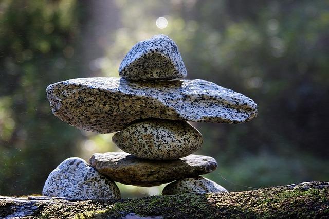 rocks-175585_640.jpg