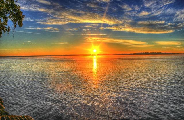 sunrise-182302_640.jpg